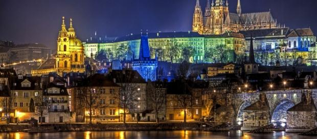 il-castello-di-praga-in-tutto-il-suo-splendore_1292071.jpg