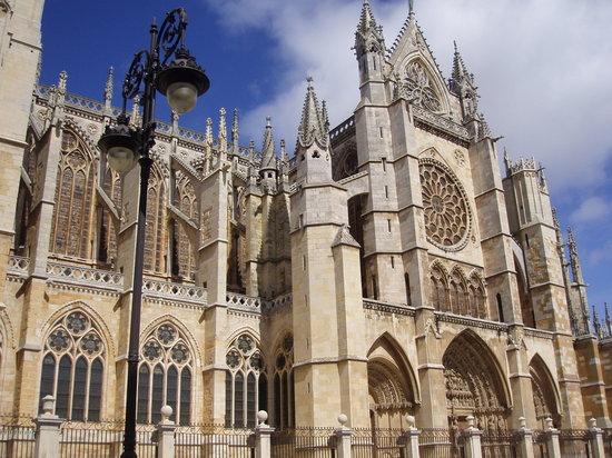 la-catedral-de-leon-monumental