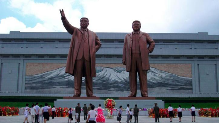 mausoleo_yongyang-North-Korea-