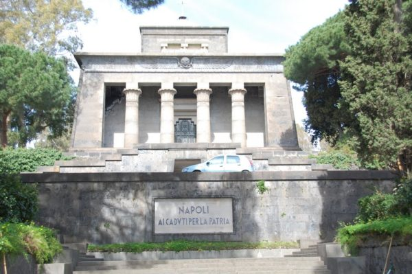 mausoleo_schilizzi_napoli